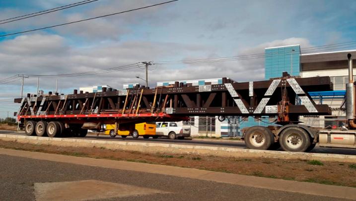 Transportando un puente modular